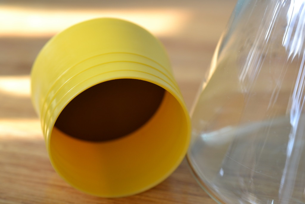 Vintage jug carafe beaker with yellow lid