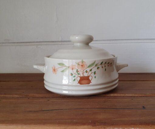 Countryside collection stoneware ramekin bowl lid