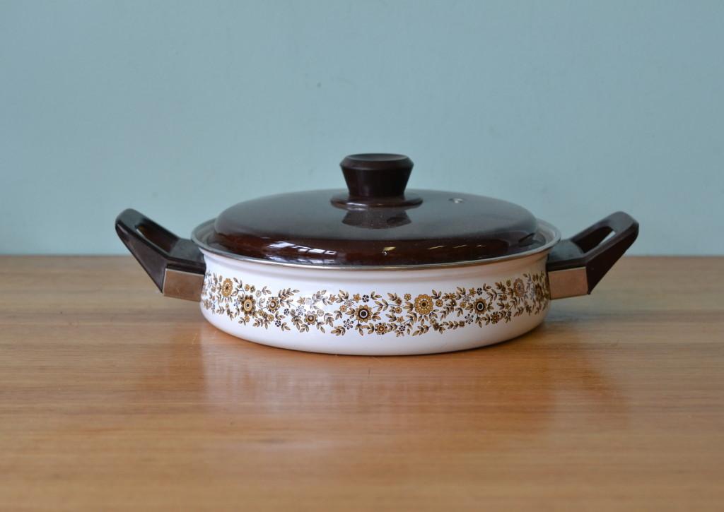 Mid century  Saucepan enamelled saucepan