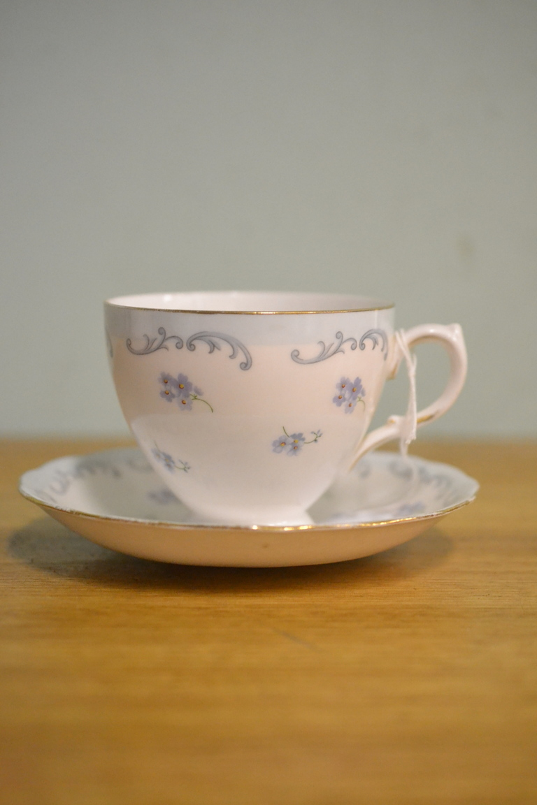 Queen Anne Tea Cup And Saucer Mauve Blue F6 2 3195 No