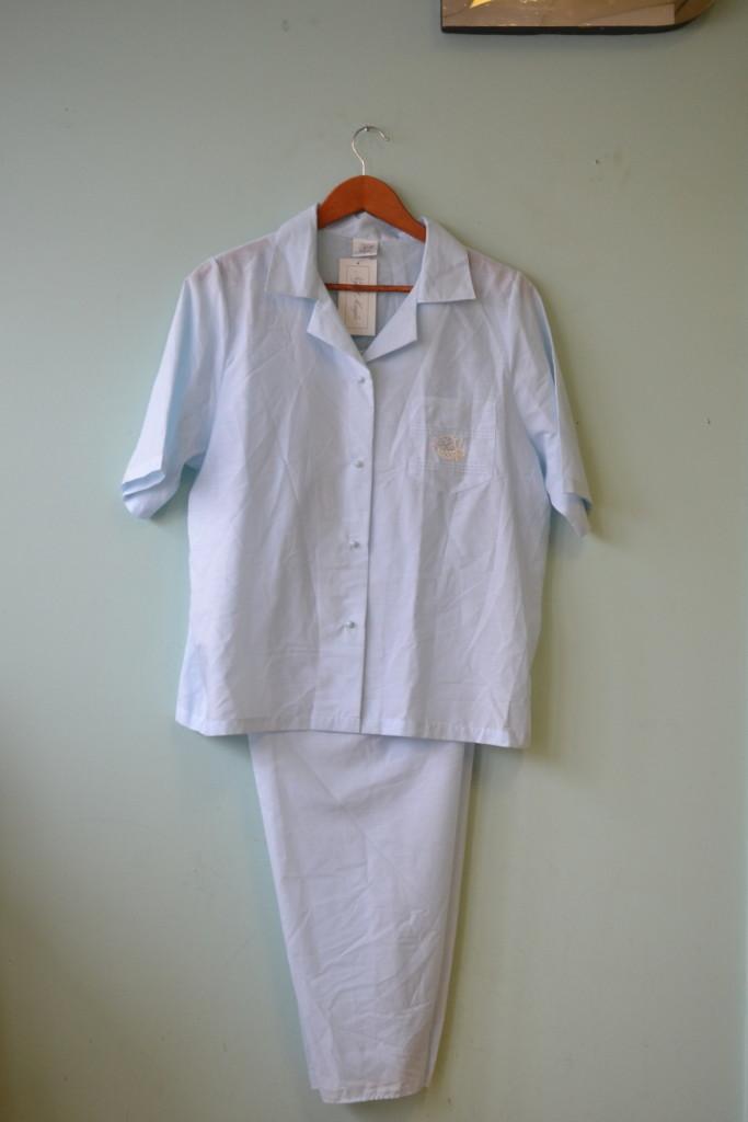 Vintage women's blue  pajamas top & pants size 14 to 16