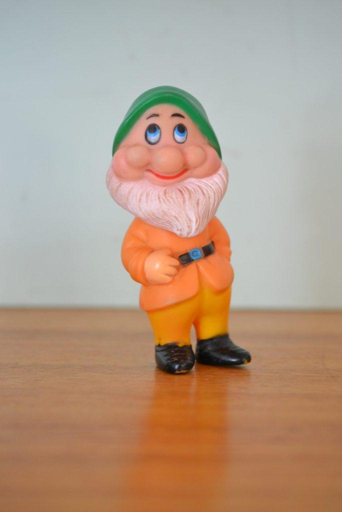 Vintage plastic toy Snow white & the 7 dwarfs  squeek doll