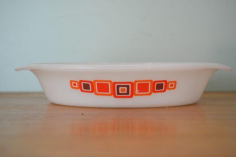 Vintage  pyrex bowl  funky mod design NO12