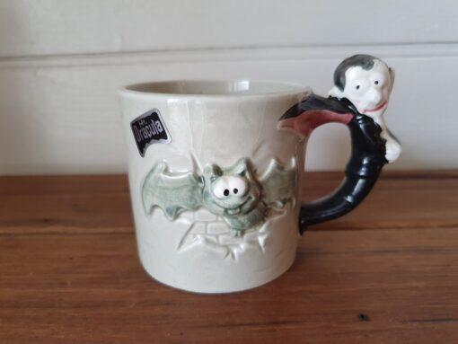 Vintage ceramic Dracular mug coffee cup 1950s Put1