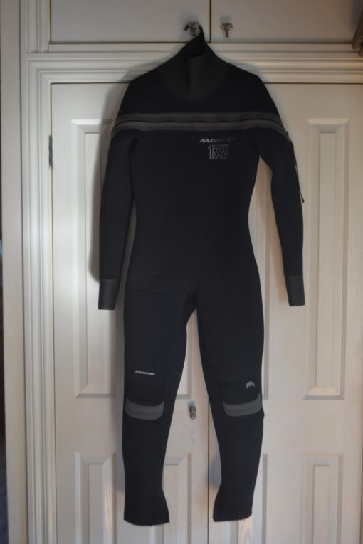 Moray 175 wetsuit size L full length made in NZ