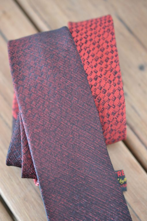 Vintage men's deep red neck tie two toned Trevira Boston
