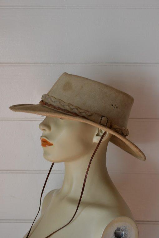 Vintage  Overlander cowboy hat tan  Australian suede leather 59 cm